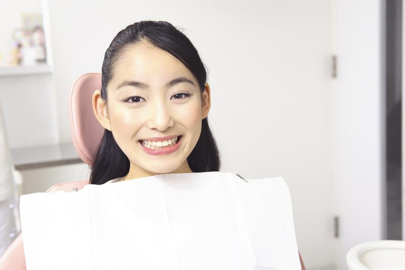 生き生きとした美しい白い歯で笑顔に自信を
