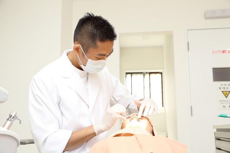歯科医師がご自宅や施設にお伺いいたします